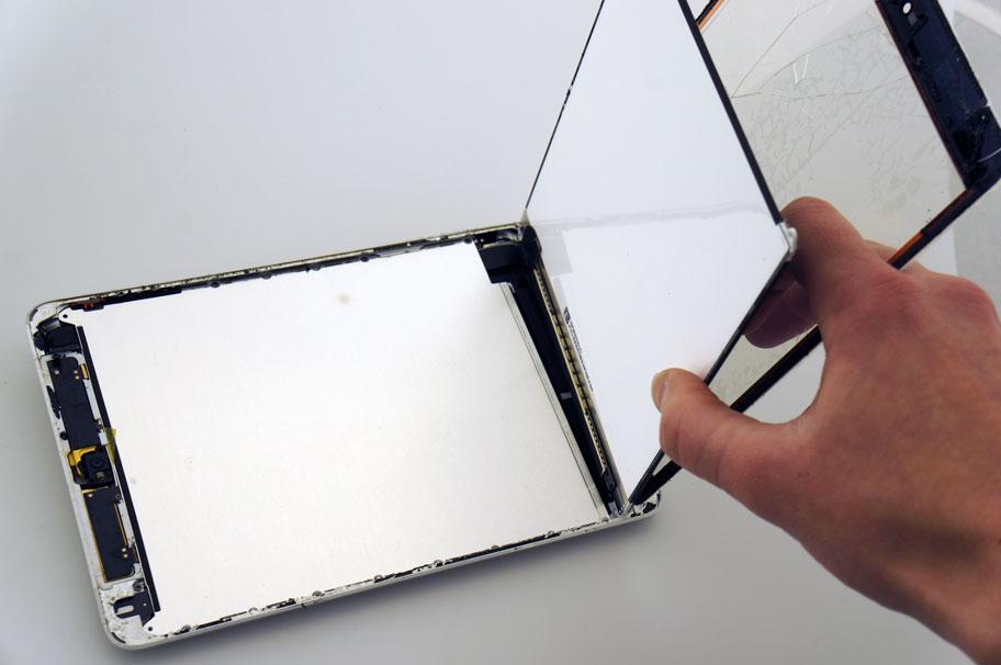 ipad stiklo keitimas