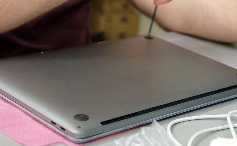 Macbook Pro A1708 dangtis