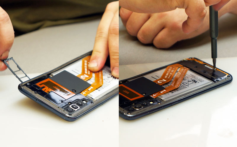 SAMSUNG A50 ekrano keitimas, atsukam varžtus.